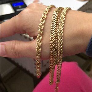 Bundle of 14k yellow gold bracelet❤️